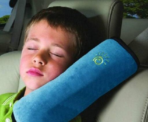 Синяя детская подушка на ремень безопасности