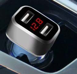 Автомобильное зарядное устройство с вольтметром на 3.1 А