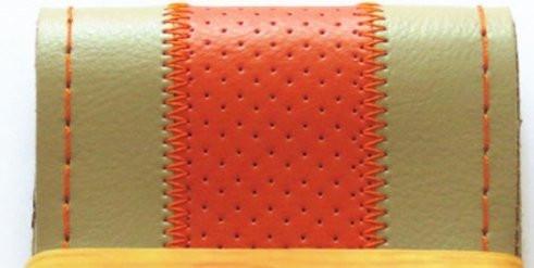 Перфарированная бежевая кожанная оплетка руля с оранжевой полосой (оранжевая окантовка)