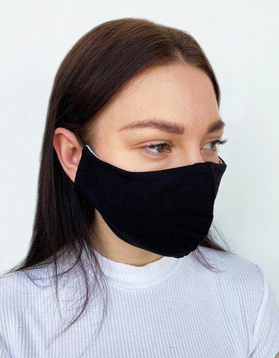Двухслойная чёрная маска из футера