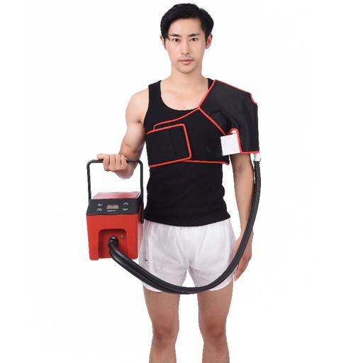 Охлаждающие и компрессионные бандажи CRYOPUSH подключаемые к устройству. Плечо