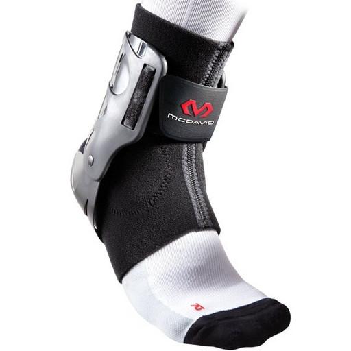Бандаж на голеностоп McDavid 189R Ankle X Brace