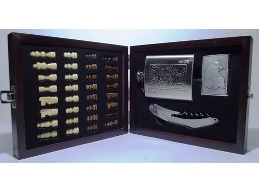 I6-39 Подарочный набор с флягой, Набор в деревянном сундучке: шахматы + фляга + зажигалка + нож/штопор (Малый)