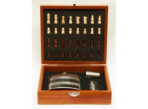 NF4-28 Набор с шахматами в дереве, Подарочная фляга, Сувенир фляга с рюмкой, Подарок мужчине