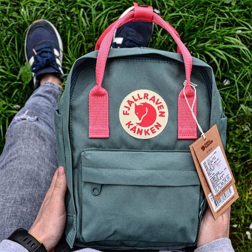 Рюкзак Fjallraven Kanken Bag Mini 8літрів / ПРЕМІУМ ЯКОСТІ / Зелений з рожевими шлейками