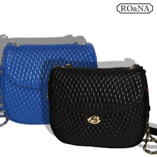 Маленькая женская Итальянская сумка из кожи - стеганная на цепочке