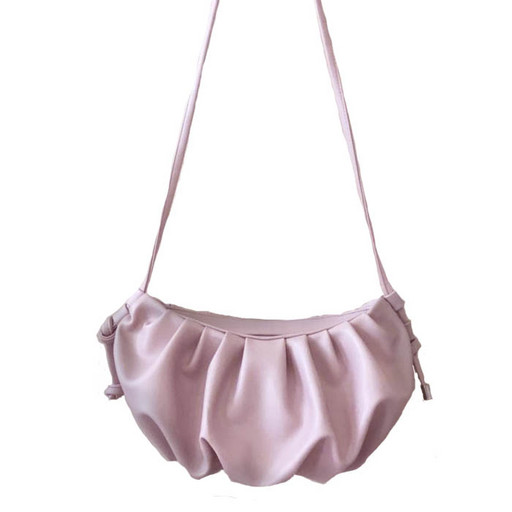Пудровая сумка - пельмень через плечо
