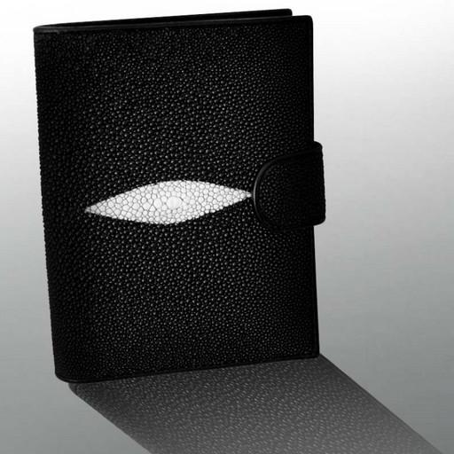 Портмоне с монетницей и удобными карманами - из кожи ската