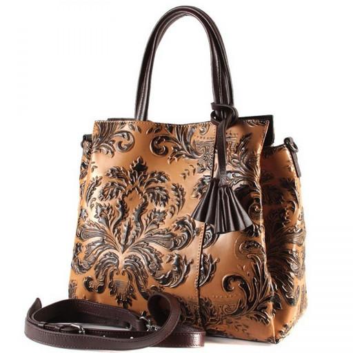 С рисунком орнамента сумка кожаная