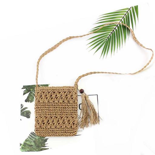 Маленькая женская сумка на лето - плетеная
