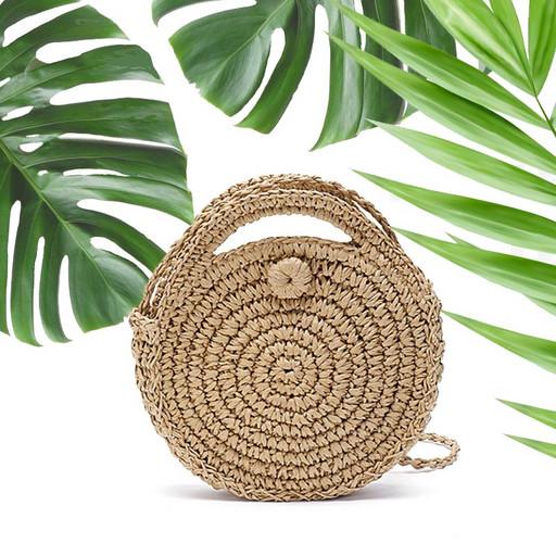 Круглая сумка на лето - плетенная из ротанга