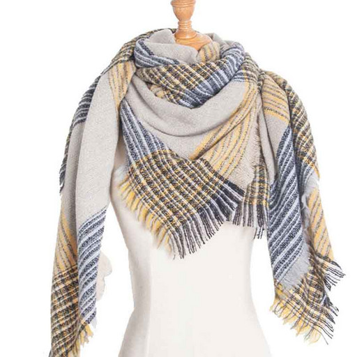 Теплый женский платок-шаль под светлое пальто