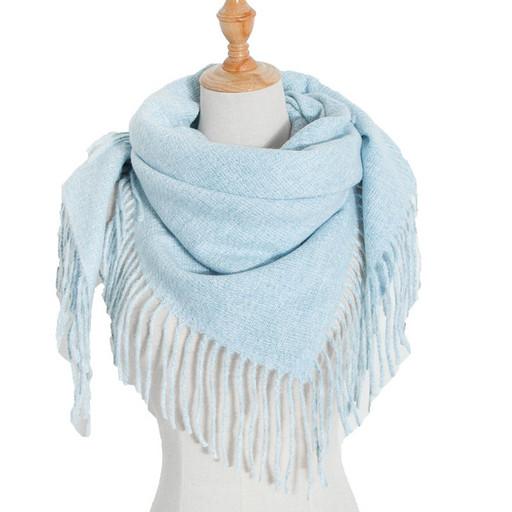 Теплый платок светло голубой - шаль с бахромой